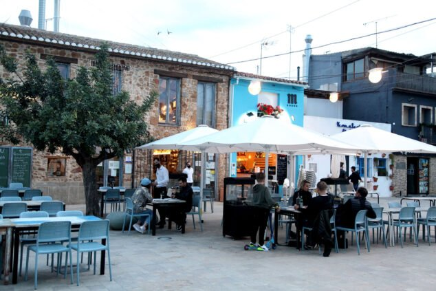 Imagen: Gente cenando en terrazas - Dénia