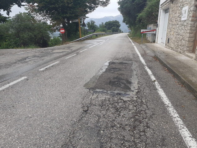 Imagen: mal-estado-carretera-vall-de-gallinera