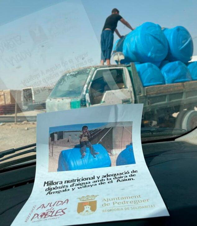 Imagen: Depósitos agua para el Sáhara