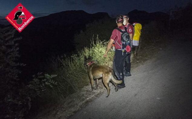 Imagen: Unidad Canina en la búsquda del varón desaparecido